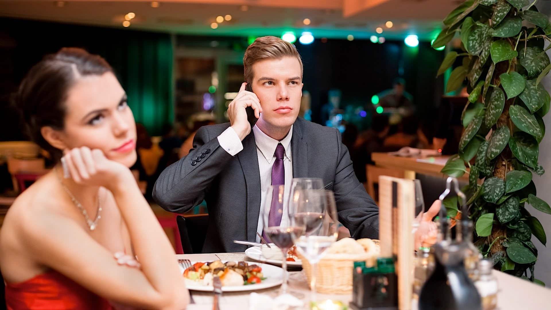 Las 10 peores ofensas cometidas por usuarios de teléfonos celulares